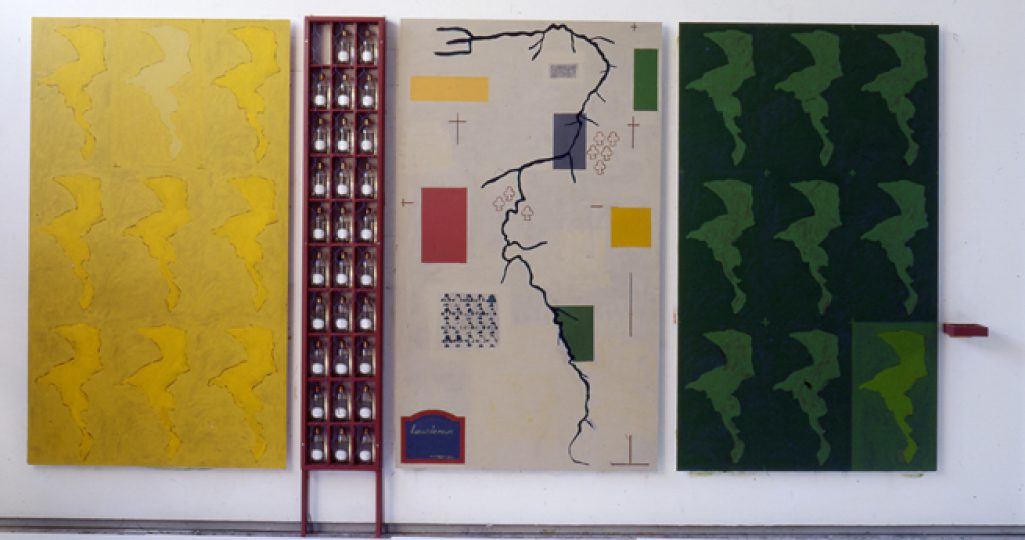 """""""l'eaudelameuse"""" project in opdracht van het Limburgs Museum over de maas alkyd,lak olie/paneel + 29 flesjes maaswater div. technieken 207,5x382x14 cm. 2003"""