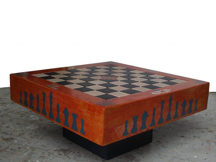 """""""Schaaktafel"""" Particuliere opdracht Alkyd+olie/papneel 80x80x40 cm. 2012"""